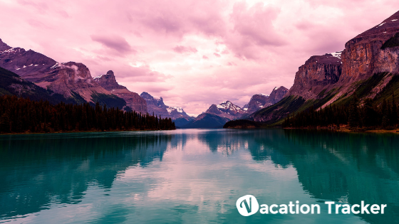 10 Breathtaking Locations In Canada for Your Summer Vacation